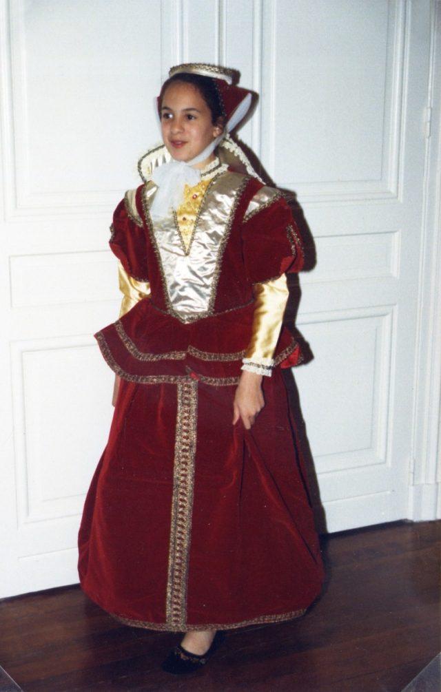 Isabelle de Castille 10-12 ans