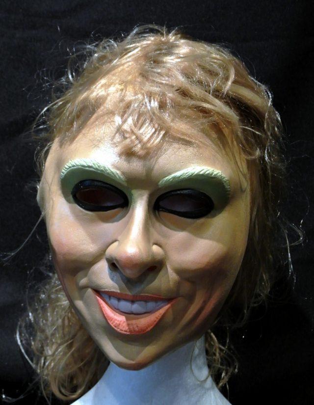 Masque jeune femme