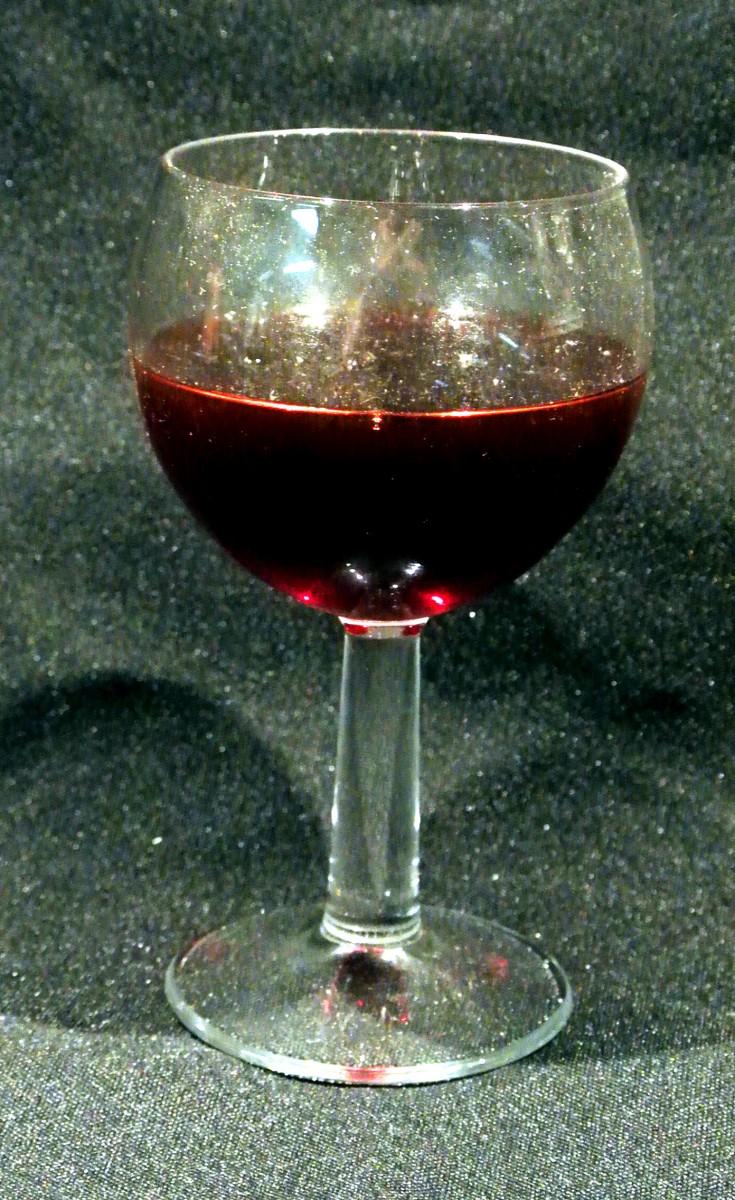 Verre ballon de vin rouge factice atouts imprim - Verre a vin ballon ...